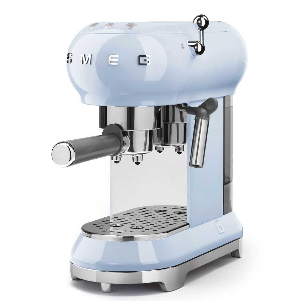 Smeg ECF01PBUK Freestanding Retro Espresso Coffee Machine - PASTEL BLUE