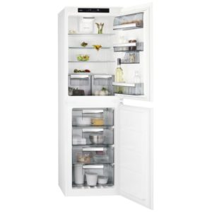 AEG SCE8182XTS 177cm Integrated 50/50 Frost Free Fridge Freezer